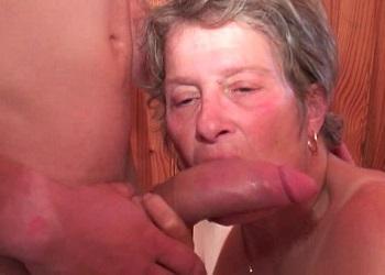 Vieja se presenta a casting porno y le hacen fisting y sexo anal