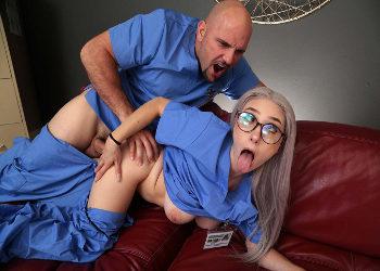 Dos enfermeros se lo montan durante el descanso